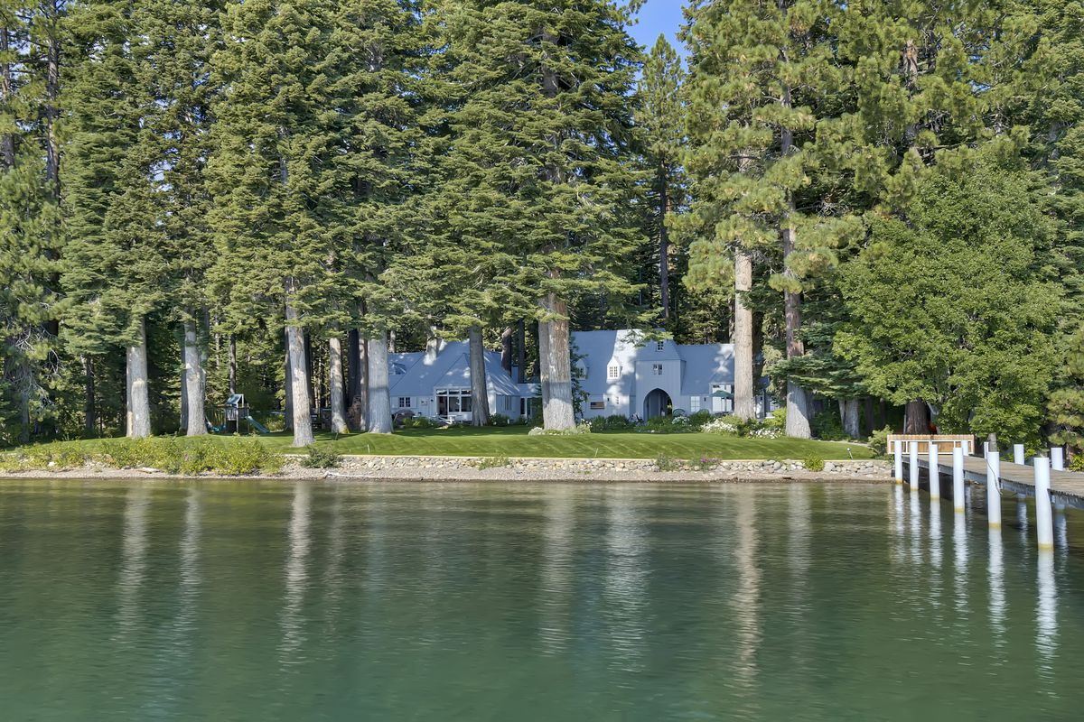 Ultimate lake tahoe waterfront estate wants 29 5m curbed for Luxury homes for sale in lake tahoe