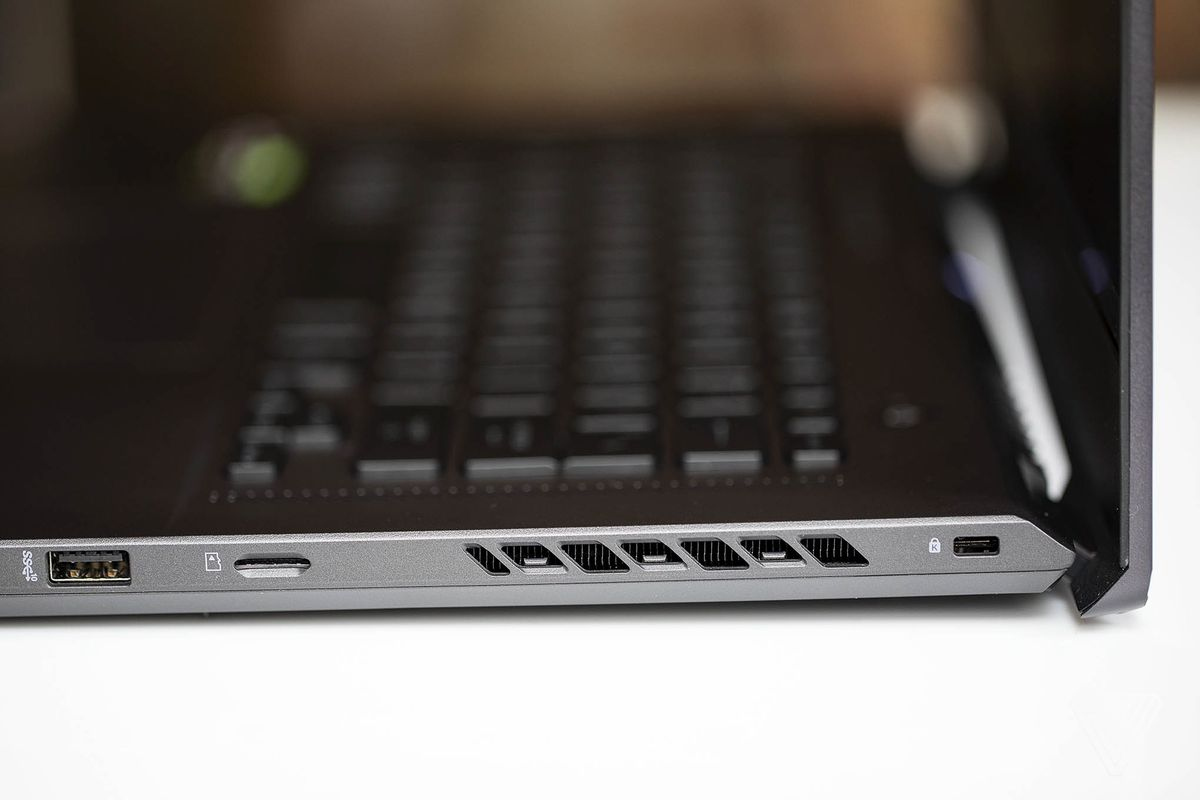 The ports and vents on the right side of the Asus ROG Zephyrus G15.
