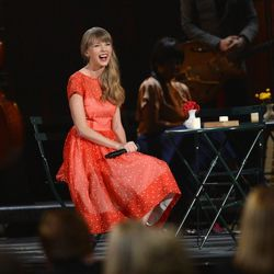 Taylor Swift is all smiles