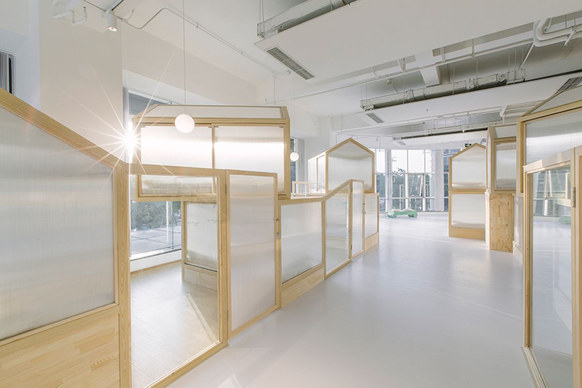Minimalist Tiny Houses Fill Up Modern Beijing Hostel