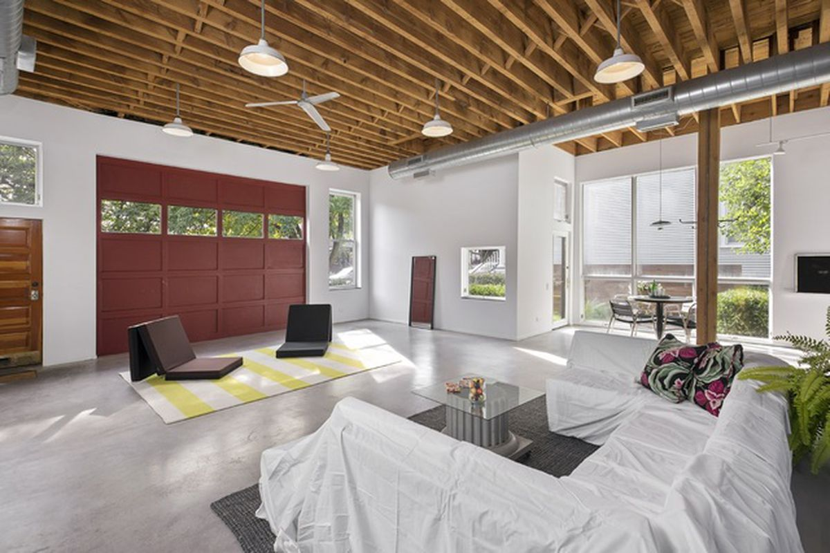 Gutted Chicago firehouse turned bright and roomy home asks $1.04M ...