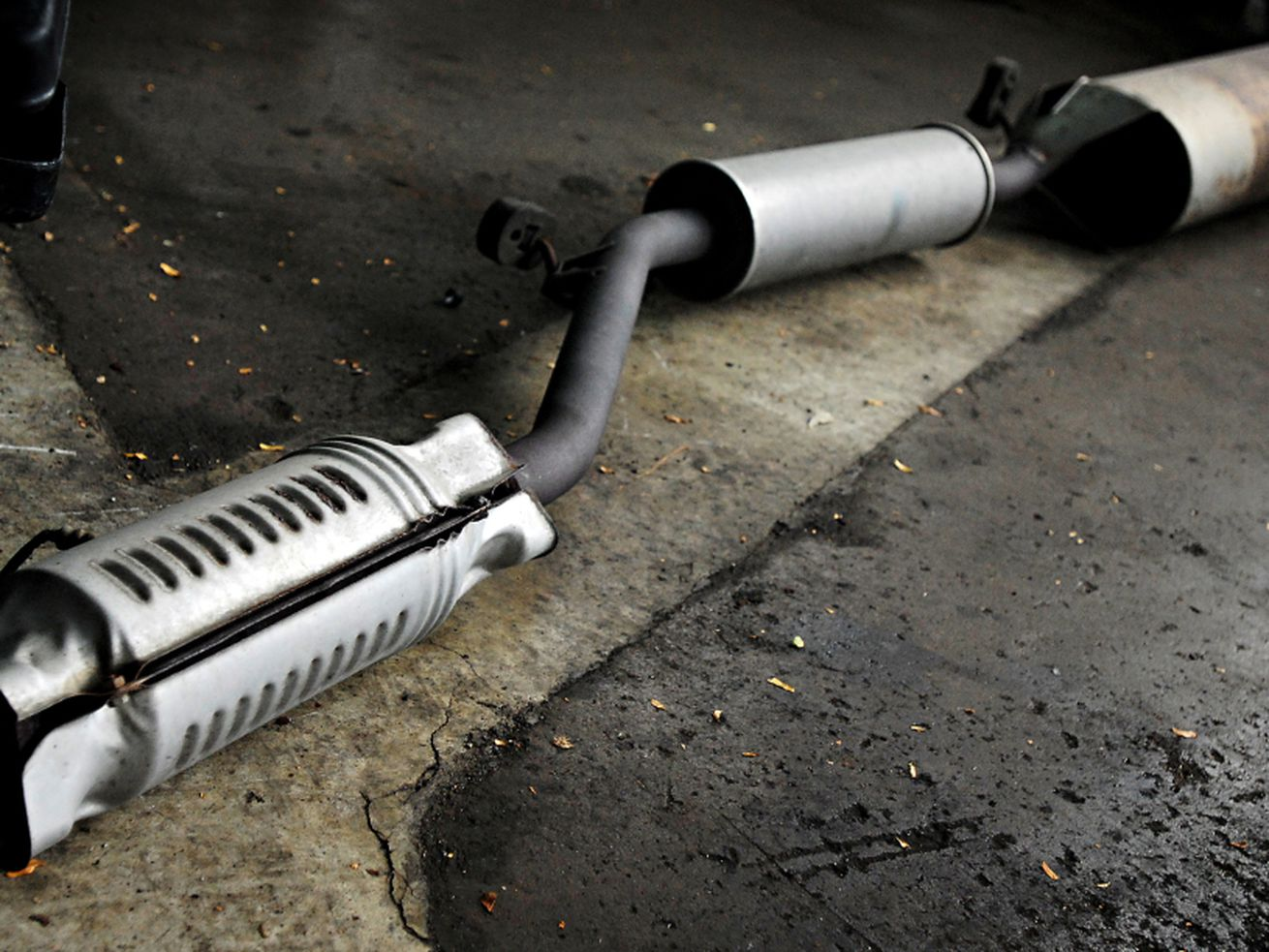 Catalytic converters stolen in West Ridge, Rogers Park