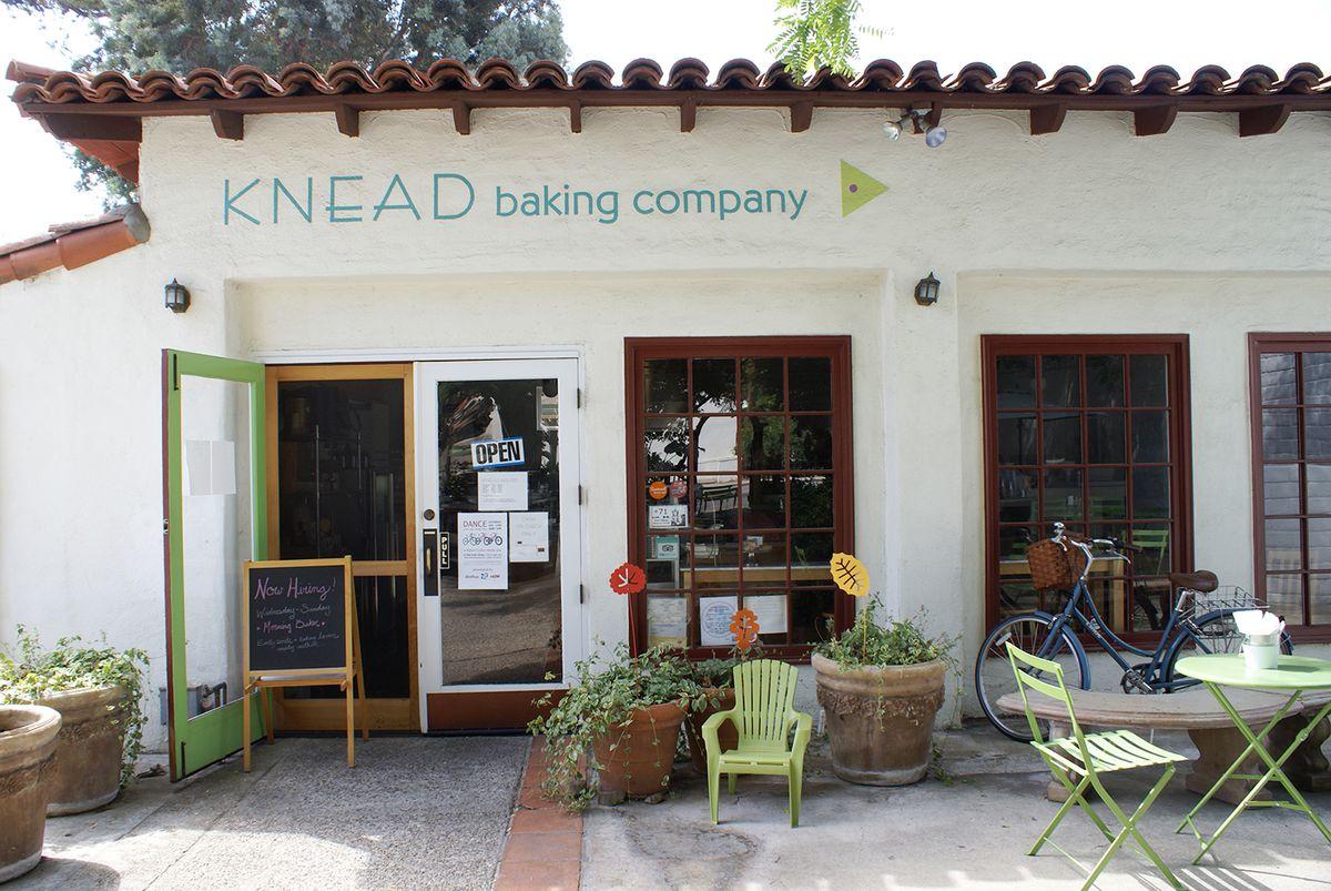 Ojai-Knead-Bakery-01-FINAL_2015_08.jpg