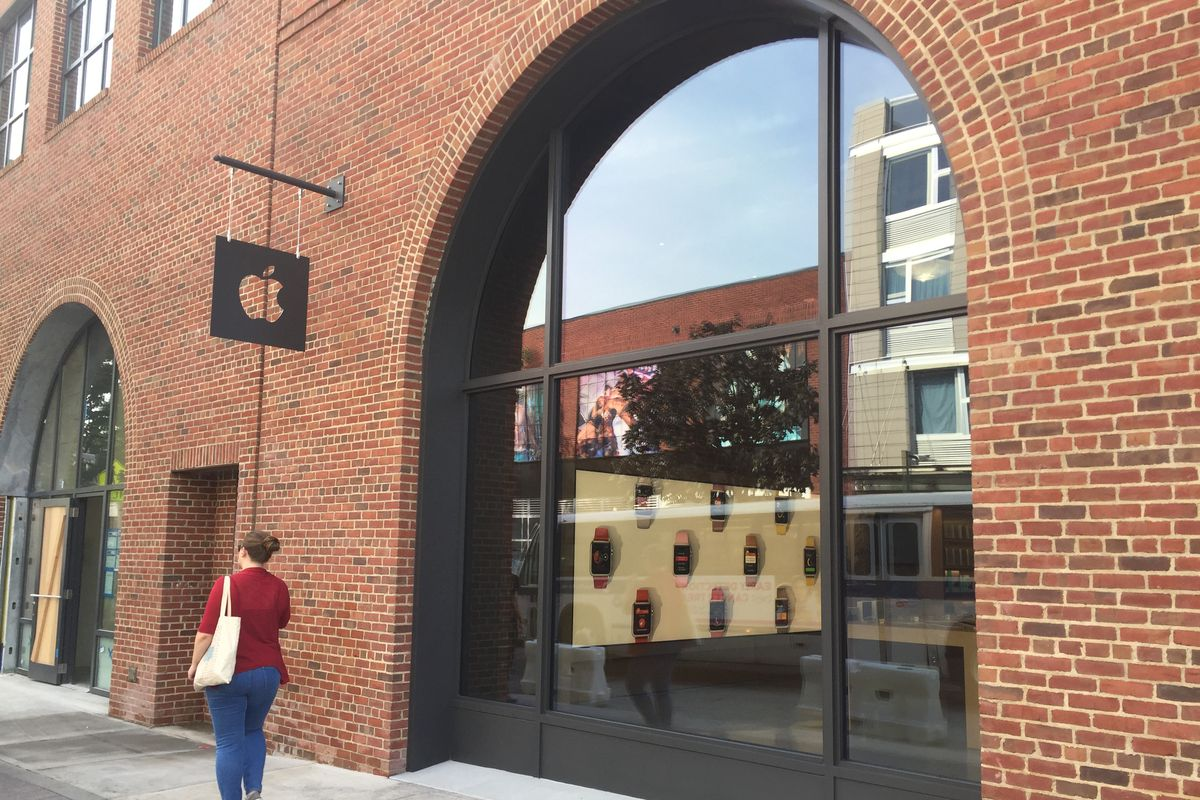 Outside the new Apple store in Williamsburg.