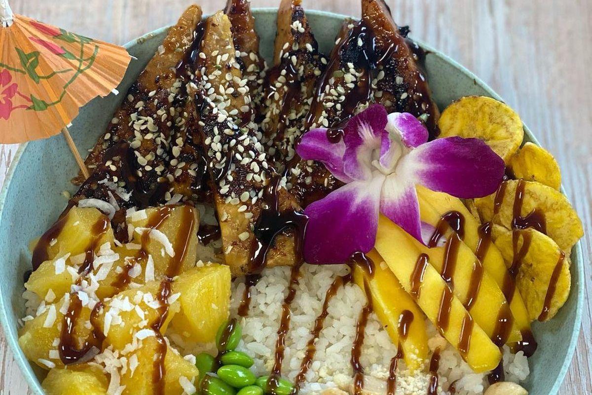 A photo of the teriyaki tempeh bowl from Sharks Cove vegan food cart