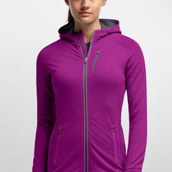 """""""There's a stigma attached to wool: """"Why am I going to run in wool? That's the last thing I want to run in."""" But it's actually really breathable, it doesn't retain moisture, it's really warm, and it doesn't retain a lot of body odor that maybe other fabri"""