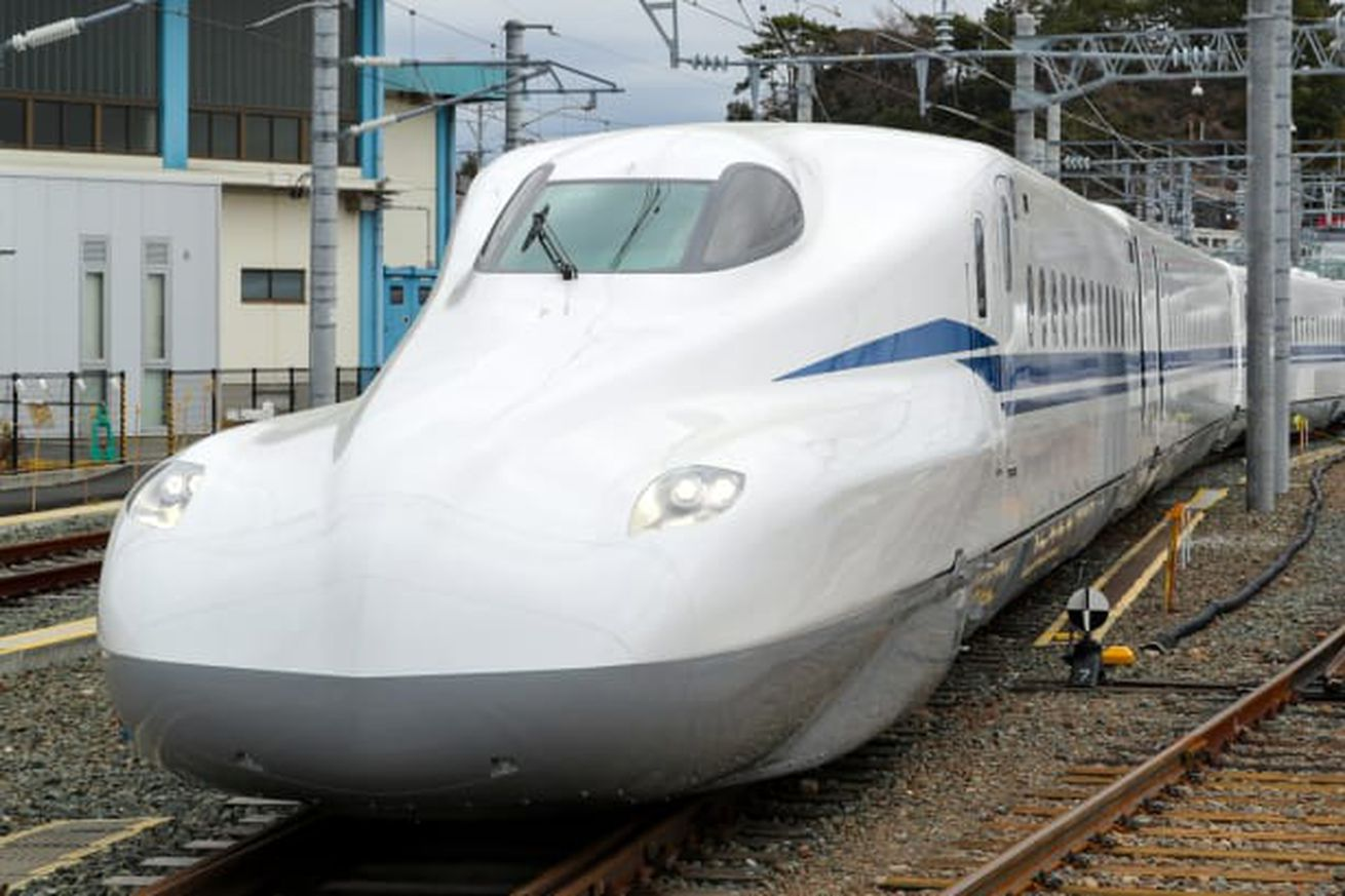 japan reveals a supreme version of its bullet train