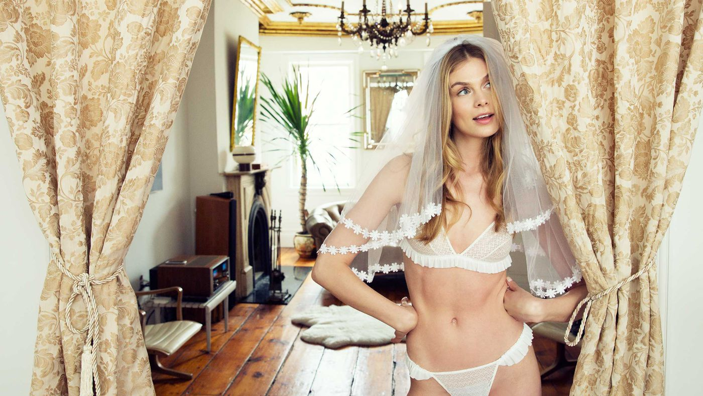 What To Wear Under Your Wedding Dress Racked