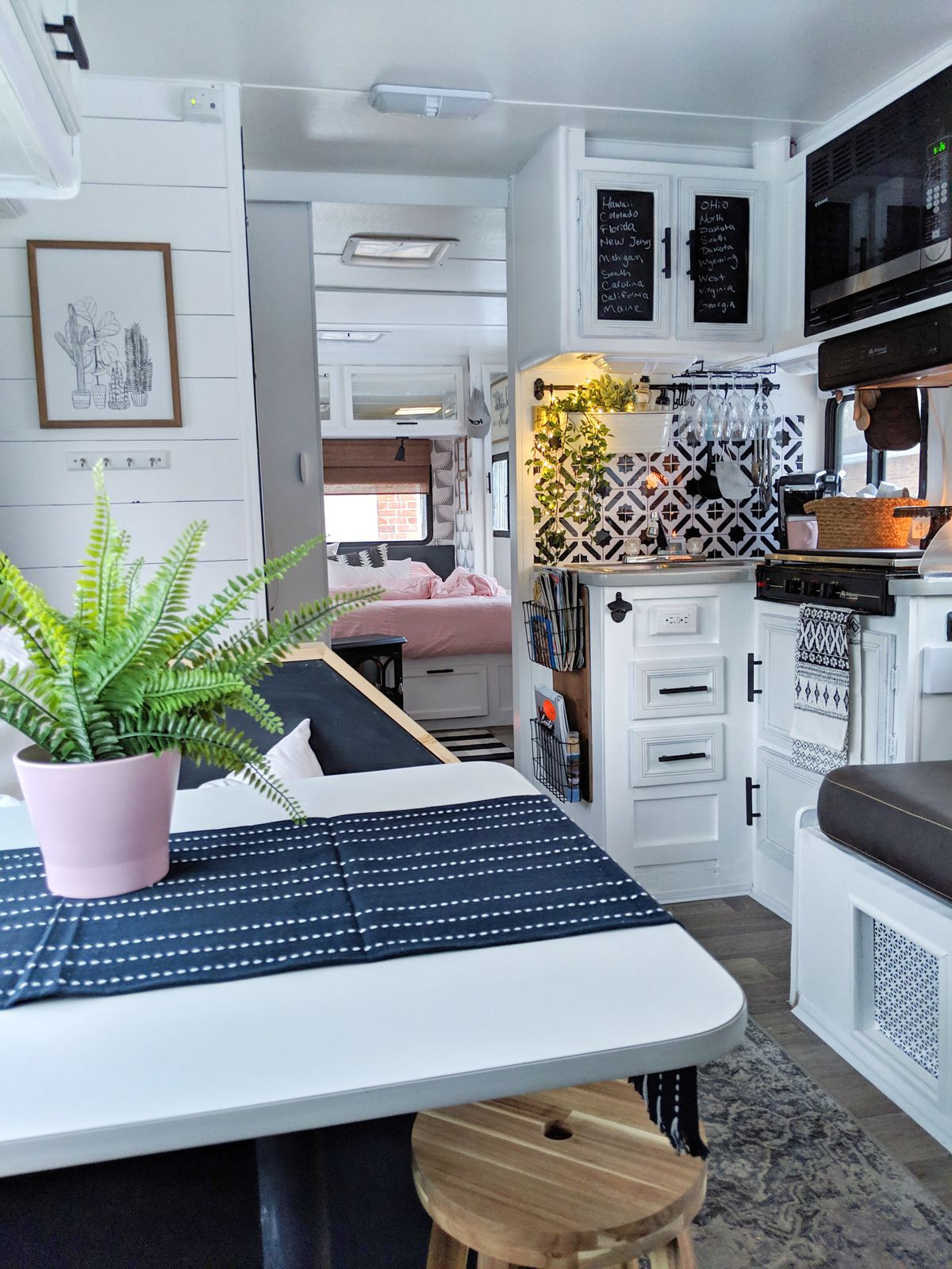 Vintage RV: Drab '90s camper renovated into stylish home-on