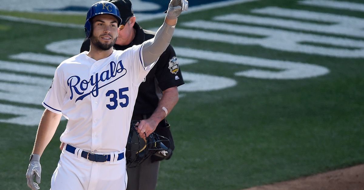 Eric Hosmer signs 8-year deal with Padres, per reports