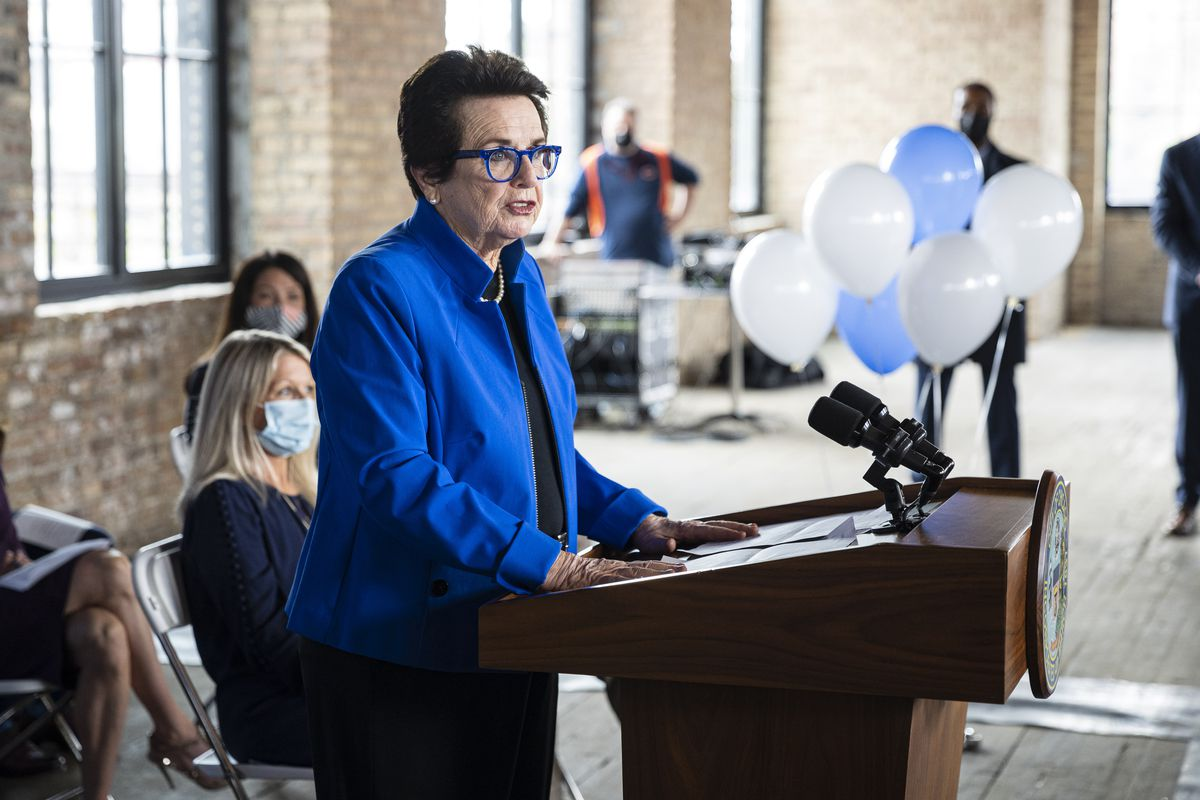 Billie Jean King speaks about the power to bring change during a ribbon-cutting ceremony at the First Women's Bank at 1308 N Elston Ave