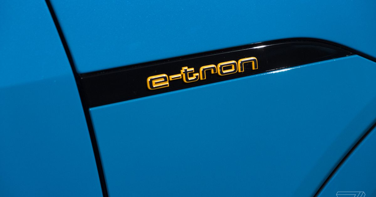 Audi etron 9732