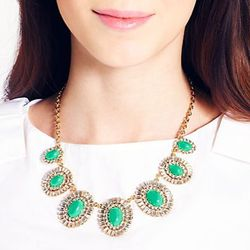 "Kate Spade statement necklace, <a href=""http://www.katespade.com/capri-garden-necklace/WBRU7449,en_US,pd.html?dwvar_WBRU7449_color=309&cgid=ks-new-arrivals-view-all#prefn1=web-color-name2&prefv1=green&start=9&cgid=ks-new-arrivals-view-all"">$148</a>"
