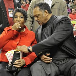 Rev. Jessie Jackson and Aretha Franklin enjoy a Chicago Bulls game in 2011. | Scott Stewart~Sun-Times