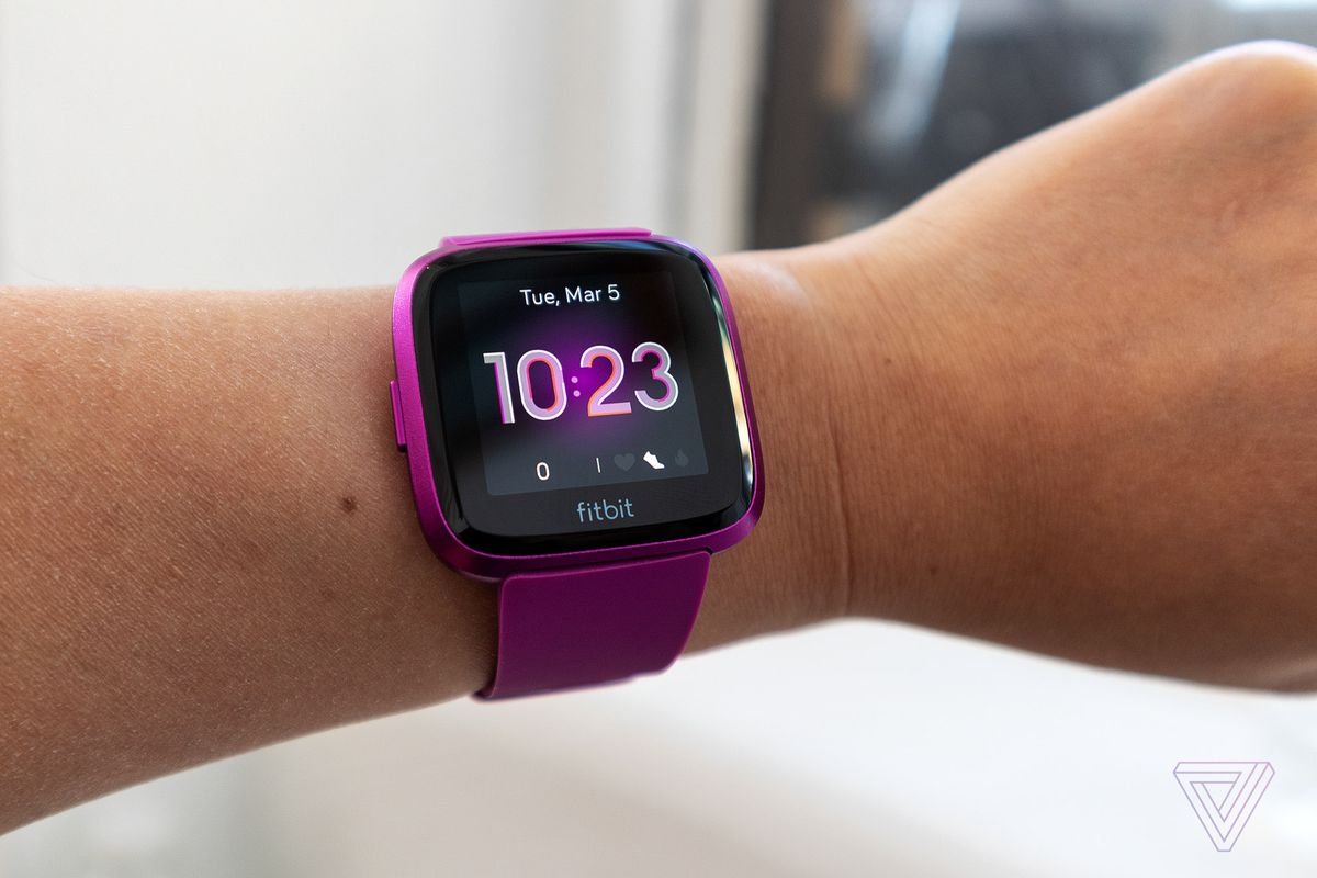 Fitbit's $160 Versa Lite is a pared-down version of its entry-level