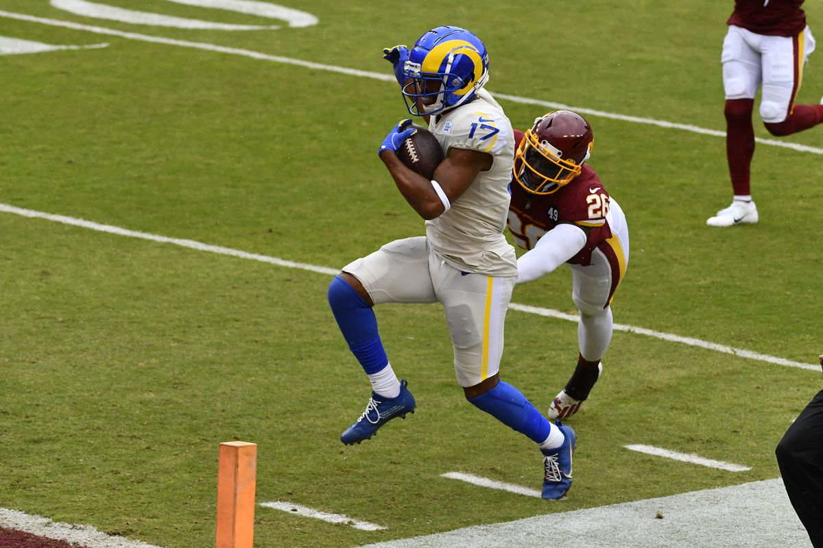 Los Angeles Rams wide receiver Robert Woods (17) scores on a 56 yard touchdown against the Washington Football Team during the second quarter at FedExField.
