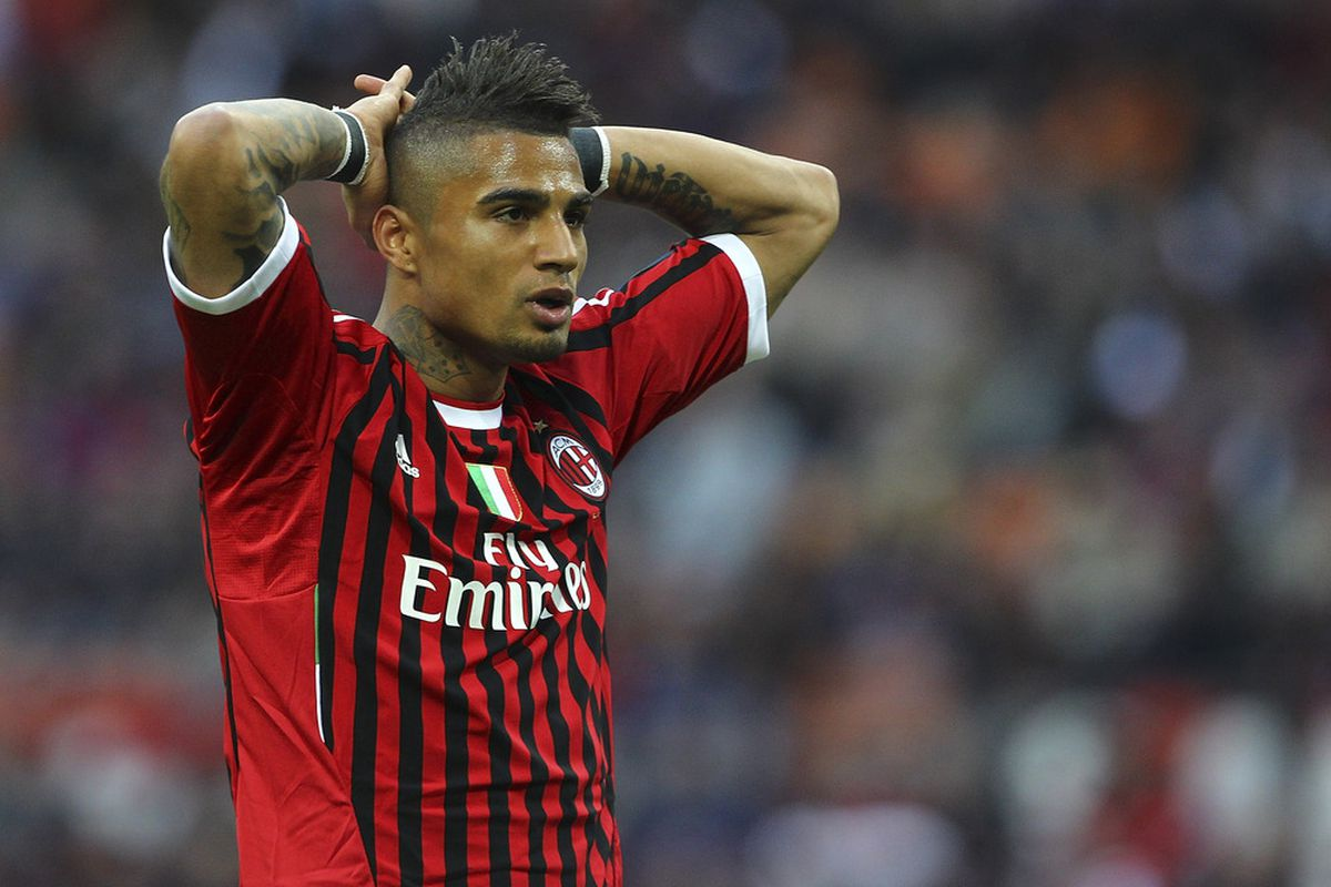 MILAN, ITALY - APRIL 25:  Kevin Prince Boateng of AC Milan reacts during the Serie A match between AC Milan and Genoa CFC at Stadio Giuseppe Meazza on April 25, 2012 in Milan, Italy.  (Photo by Marco Luzzani/Getty Images)