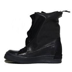 "<b>Cinzia Araia</b> Wrap Around Shoe, <a href=""http://www.oaknyc.com/cinzia-araia-wrap-sround-shoe-black.html"">$317</a> at OAK"