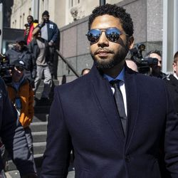 Jussie Smollett leaves court after prosecutors dropped charges against him for allegedly staging a hate crime attack on himself.   Ashlee Rezin/Sun-Times