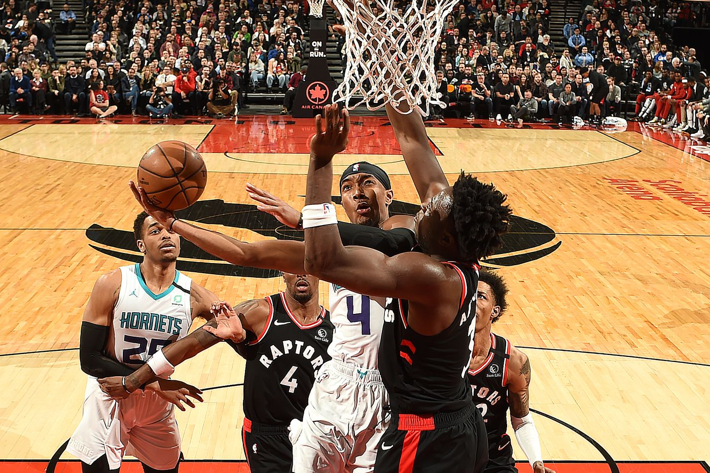 Preview New Look Hornets Host The Raptors For Their First Preseason Game At The Hive