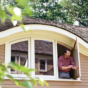 <p><em>This Old House</em> master carpenter Norm Abram built an eyebrow window for his home office.</p>