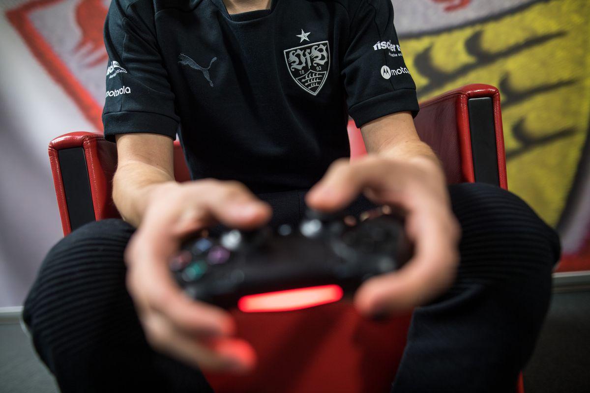 Soccer: E-Sports