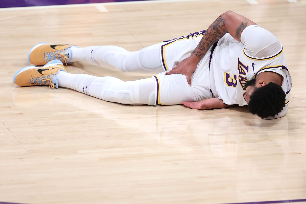 Phoenix Suns v Los Angeles Lakers - Game Four