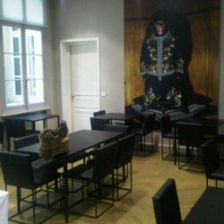 """""""Givenchy! Chic 'cafeteria' - black of course - with giant posters of the campaign - ultra chic"""" —<a href=""""http://twitter.com/#!/robinschulie/status/86774906703986688"""" rel=""""nofollow"""">@robinschulie</a>"""