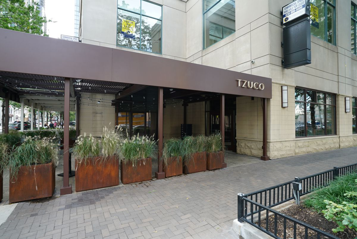 The exterior of a River North restaurant.