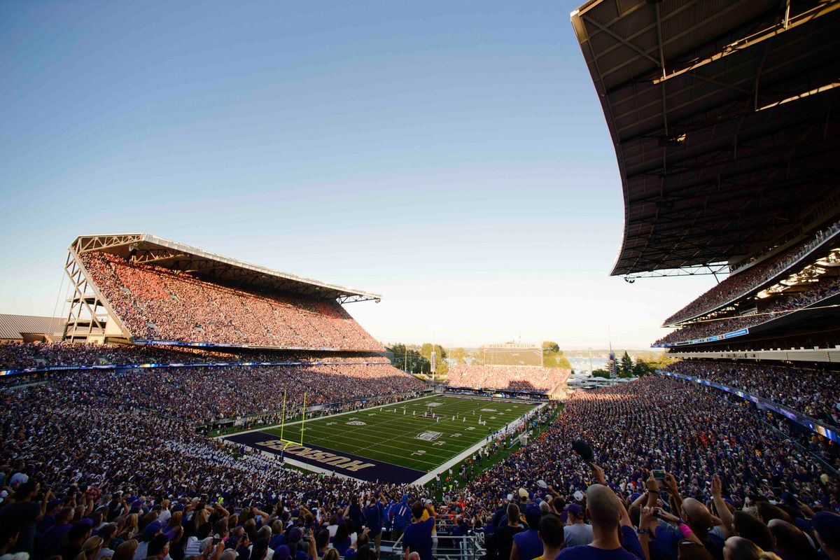 The sun is, once again, rising over Washington and its football program.