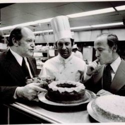 "Left to right: GM Alan Lewis, chef Andrew Renee, restaurateur Joe Baum. (photo: <a href=""http://www.ediblemanhattan.com/magazine/the-legacy-of-joe-baum/"" rel=""nofollow"">Edible Manhattan</a>)<br />"