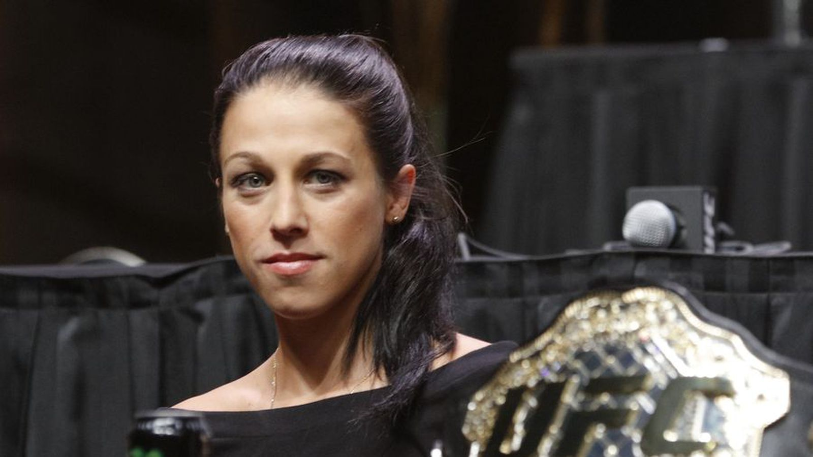 joanna jedrzejczyk eyeing ronda rousey u2019s title defense record as ufc 211 approaches