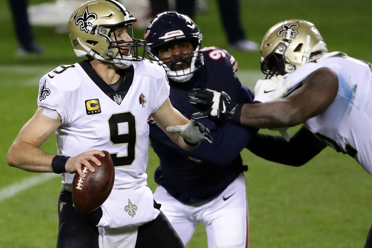 Drew Brees #9 of the New Orleans Saints throws against the Chicago Bears in the second half at Soldier Field on November 01, 2020 in Chicago, Illinois.