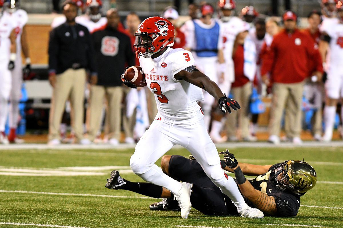 COLLEGE FOOTBALL: NOV 18 NC State at Wake Forest