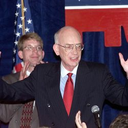 Utah Sen. Bob Bennett celebrates his victory with Republican supporters Tuesday, Nov. 3, 1998, at the Double Tree Hotel.