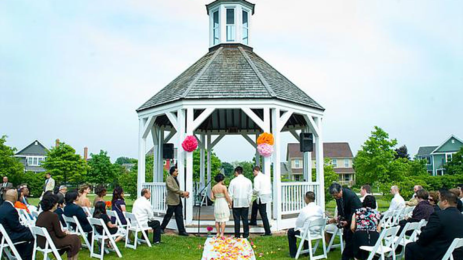 The best places for barn weddings just outside of chicago for Best place for wedding