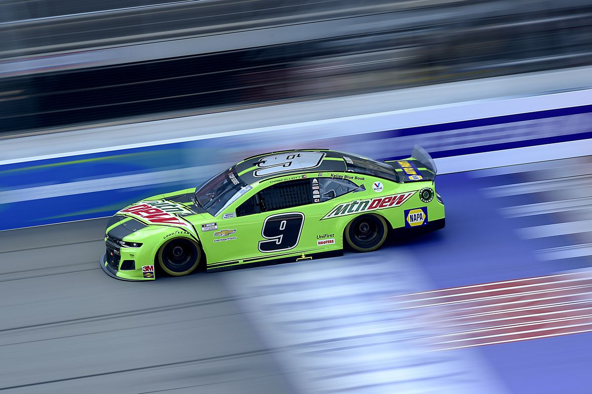 Chase Elliott, driver of the #9 Mountain Dew Chevrolet, drives during the NASCAR Cup Series Consumers Energy 400 at Michigan International Speedway on August 09, 2020 in Brooklyn, Michigan.