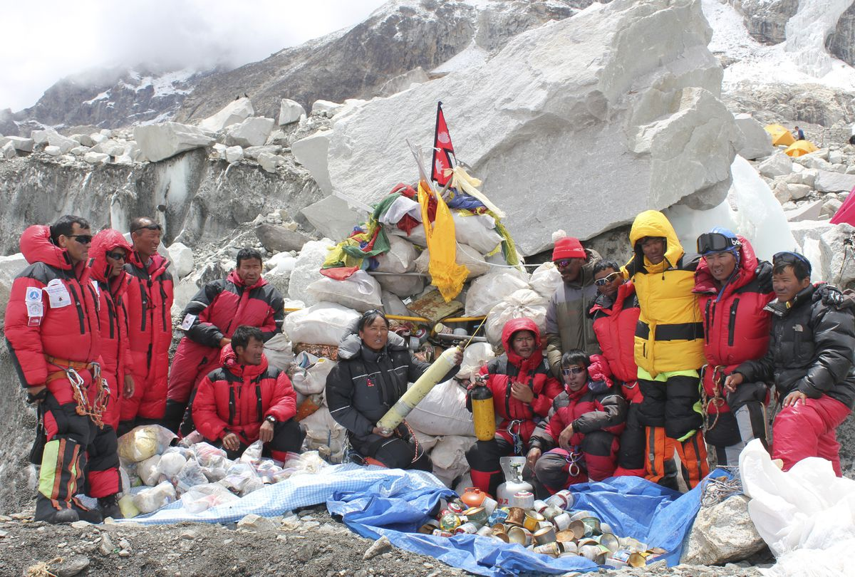 everest cleanup
