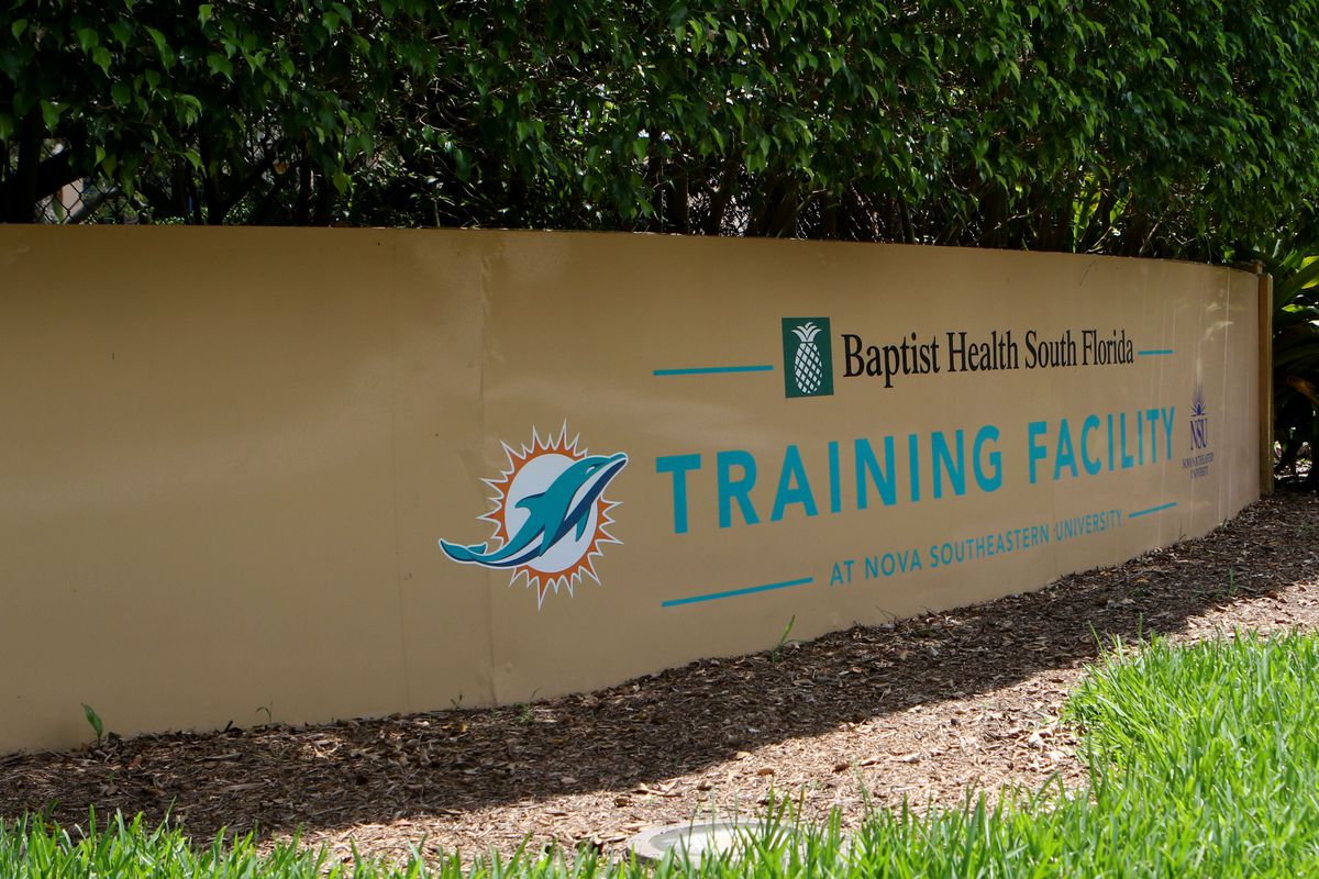 NFL: MAY 30 Dolphins OTA