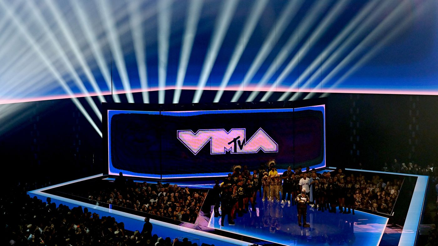 'Jam Session': The VMAs Underwhelm and Harry Styles Charms