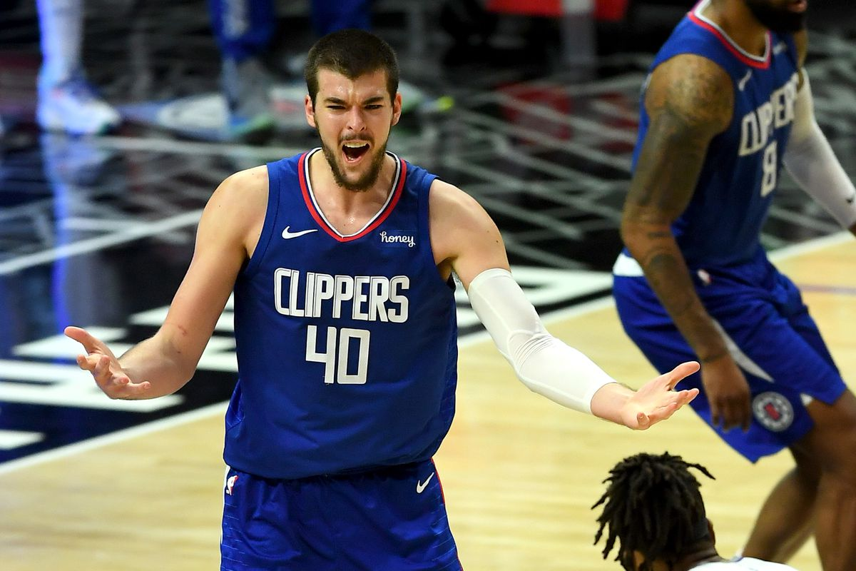 Los Angeles Clippers center Ivica Zubac reacts after not getting a foul call in the second half of the game against the Sacramento Kings at Staples Center.