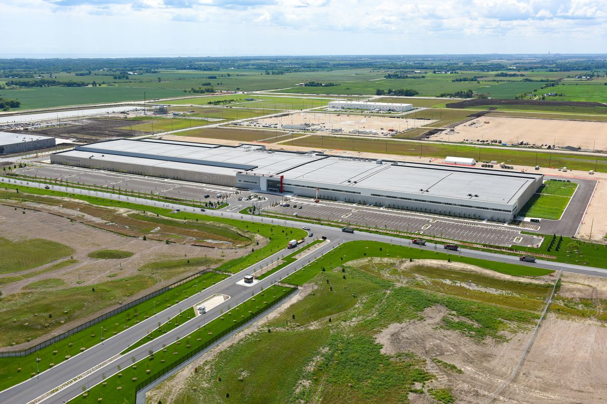 """Foxconn's """"Fab""""in Wisconsin. A state report says it no signs that it manufactures LCDs, or ever will"""