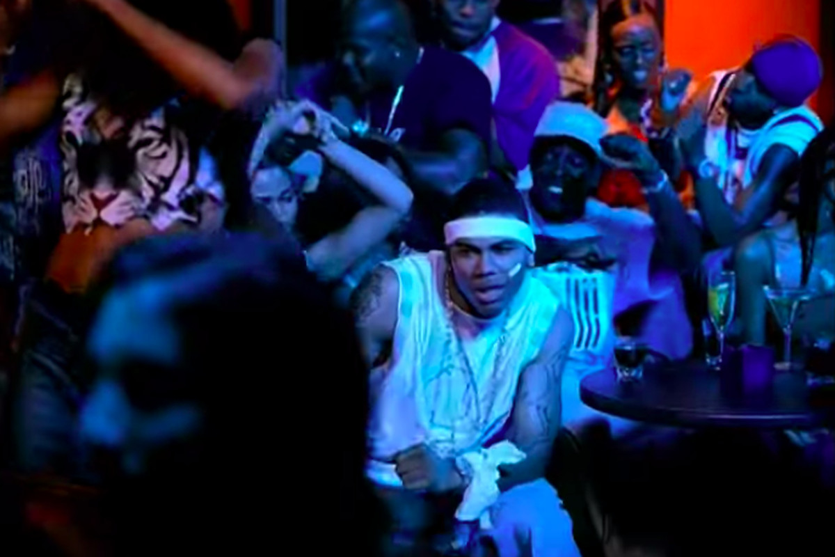 the best attitude 47e48 c0b2c Julius Peppers Panthers teammates just found out he was in Nellys Hot in  Herre video