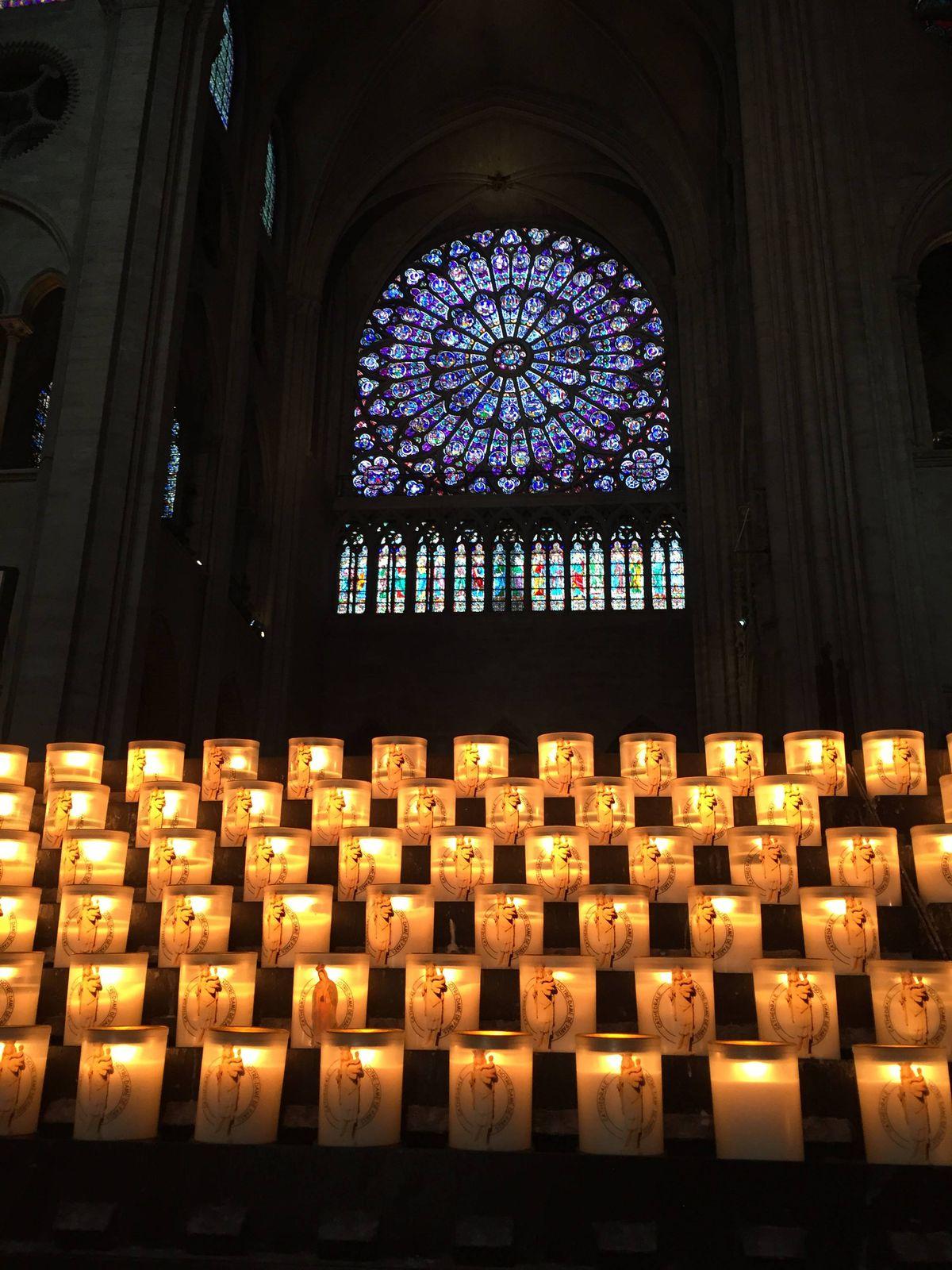 Votives in Notre-Dame.