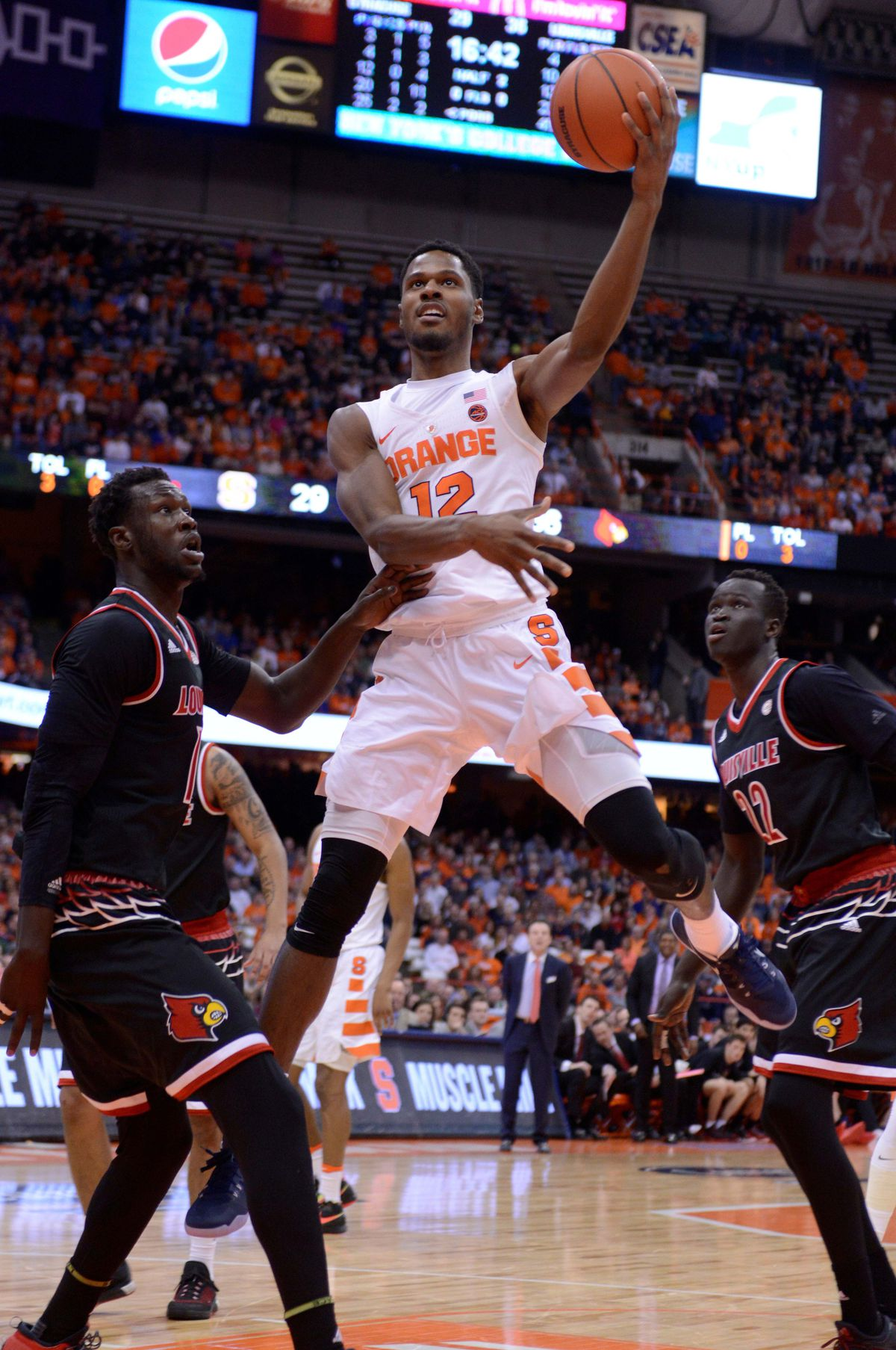 SU out-rebounded again in loss to Louisville