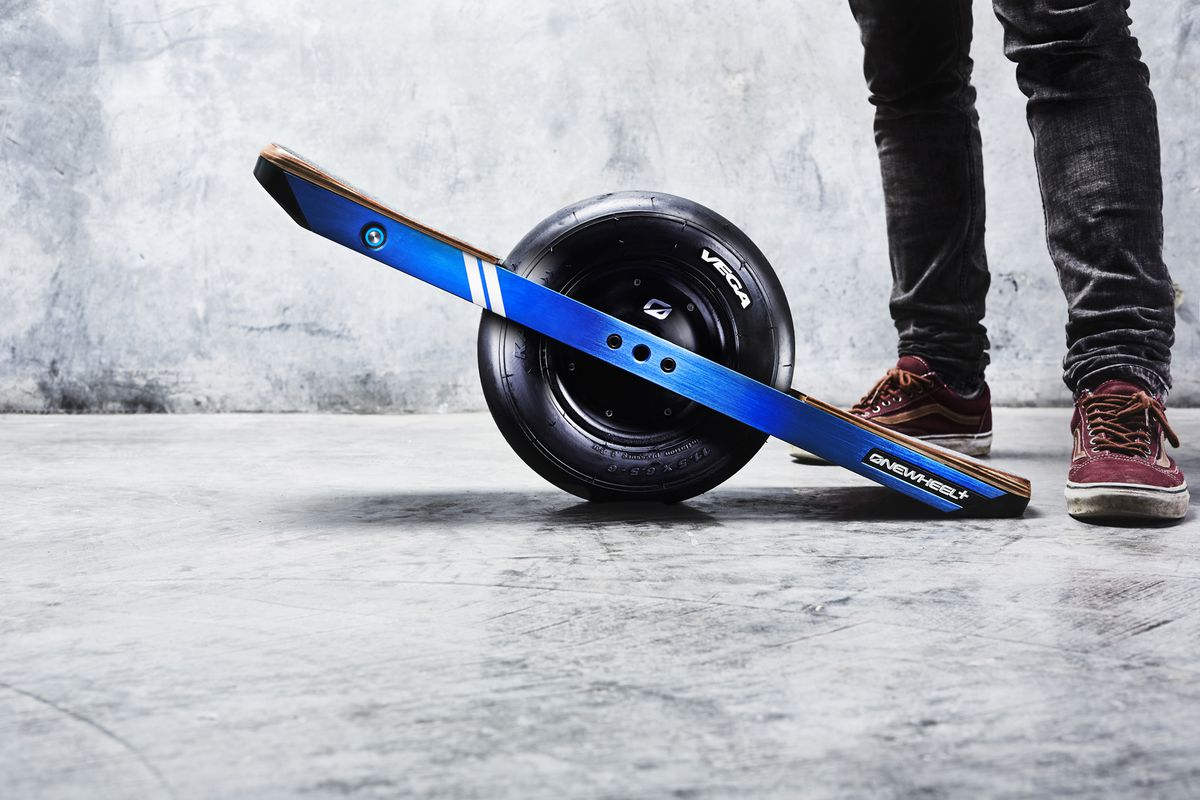 Future Motion Unveiled The Original Onewheel Prototype At Ces In 2017 And Final Production Version So It S Only Ing That