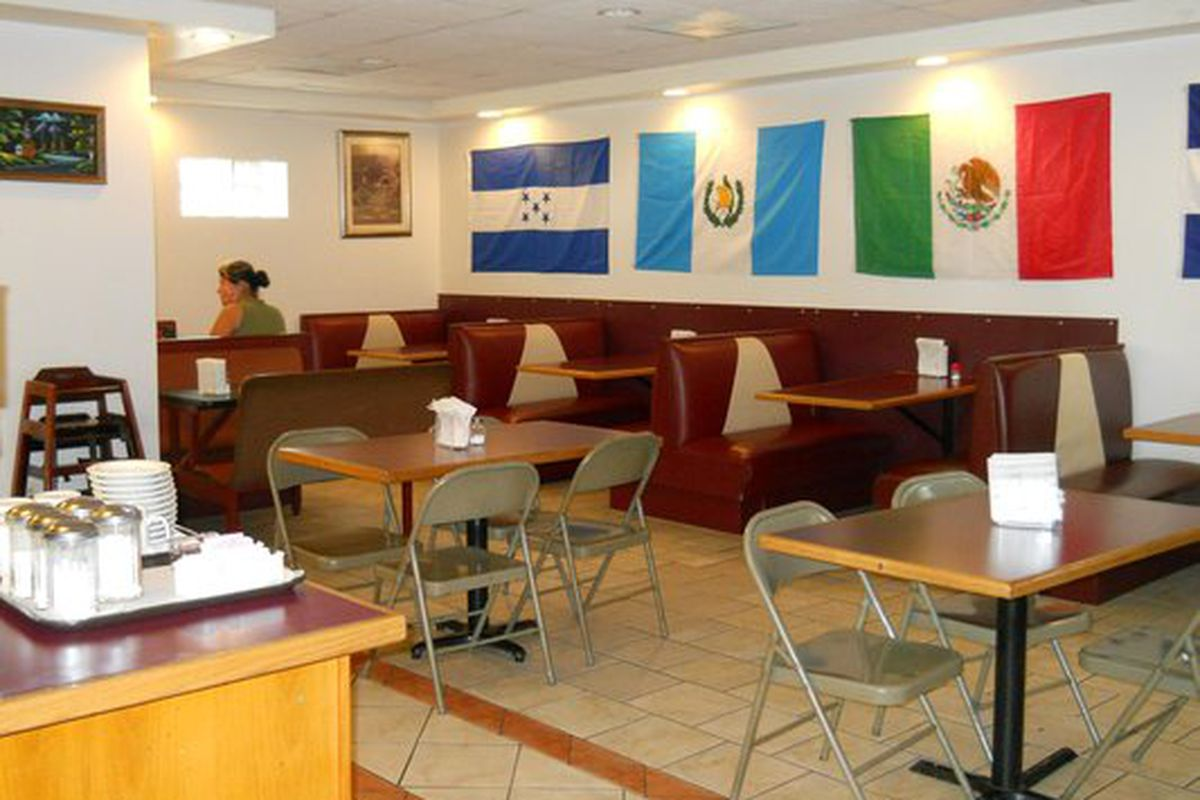 Pupuseria y Restaurante Salvadoreno.