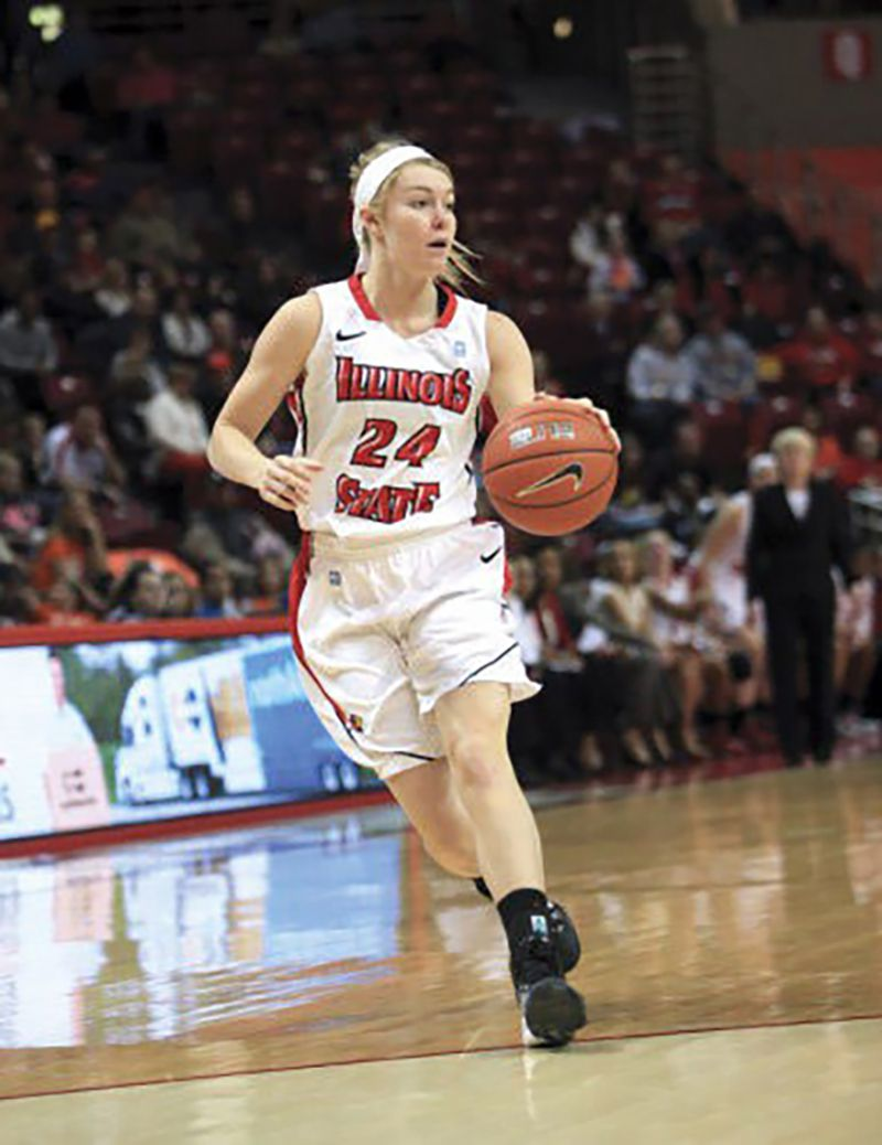 Winge runs the Illinois State redbirds during her senior season