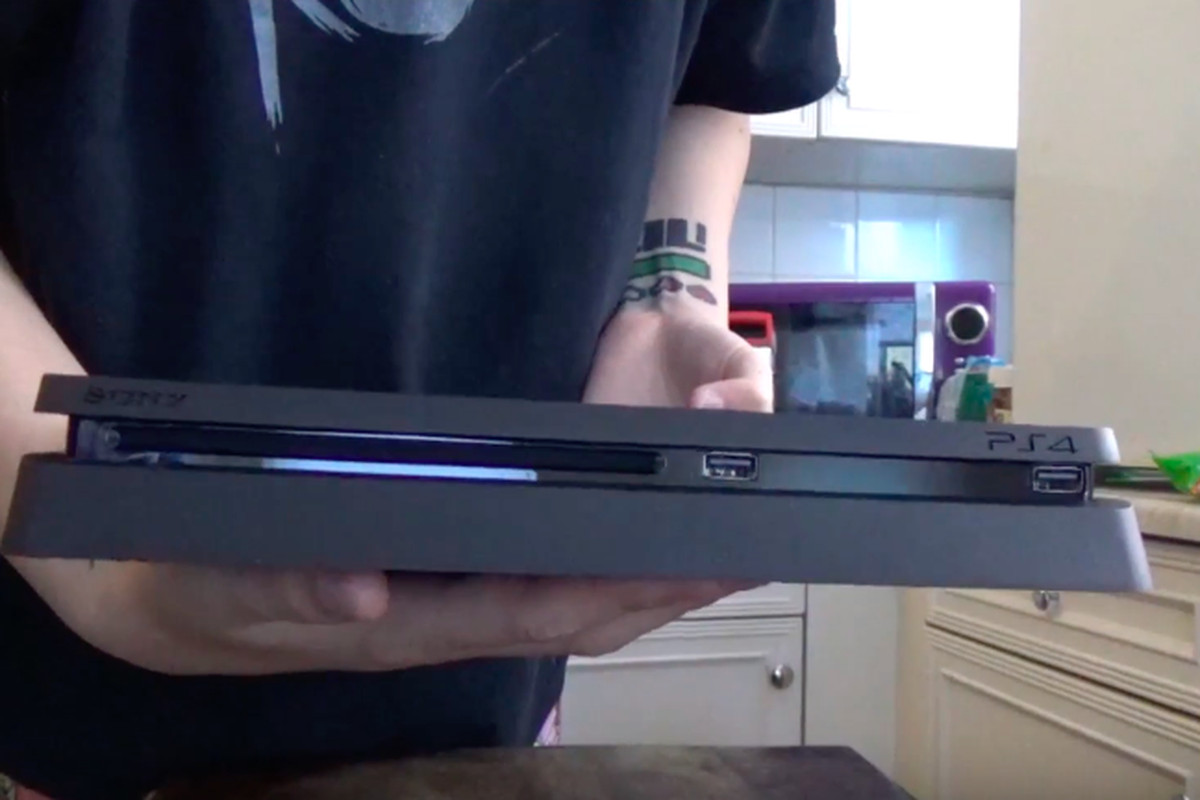 The Playstation 4 Slim Is Real Unboxed And Reviewed Polygon