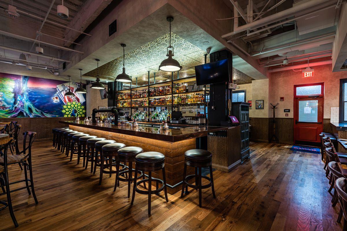 Duke's Grocery Foggy Bottom Bar